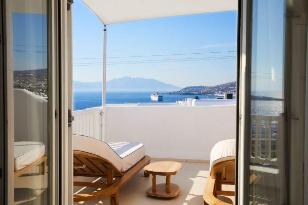 Mykonian_Kyma_Room_Sunset_Suite_Balconies_004